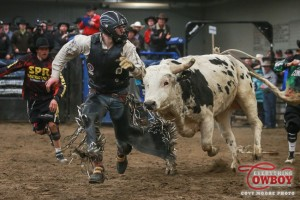 Brock Radford gets chased down by Girletz's Freakazoid after his 87 point ride in the short go at the 2016 Chad Besplug Invitational.