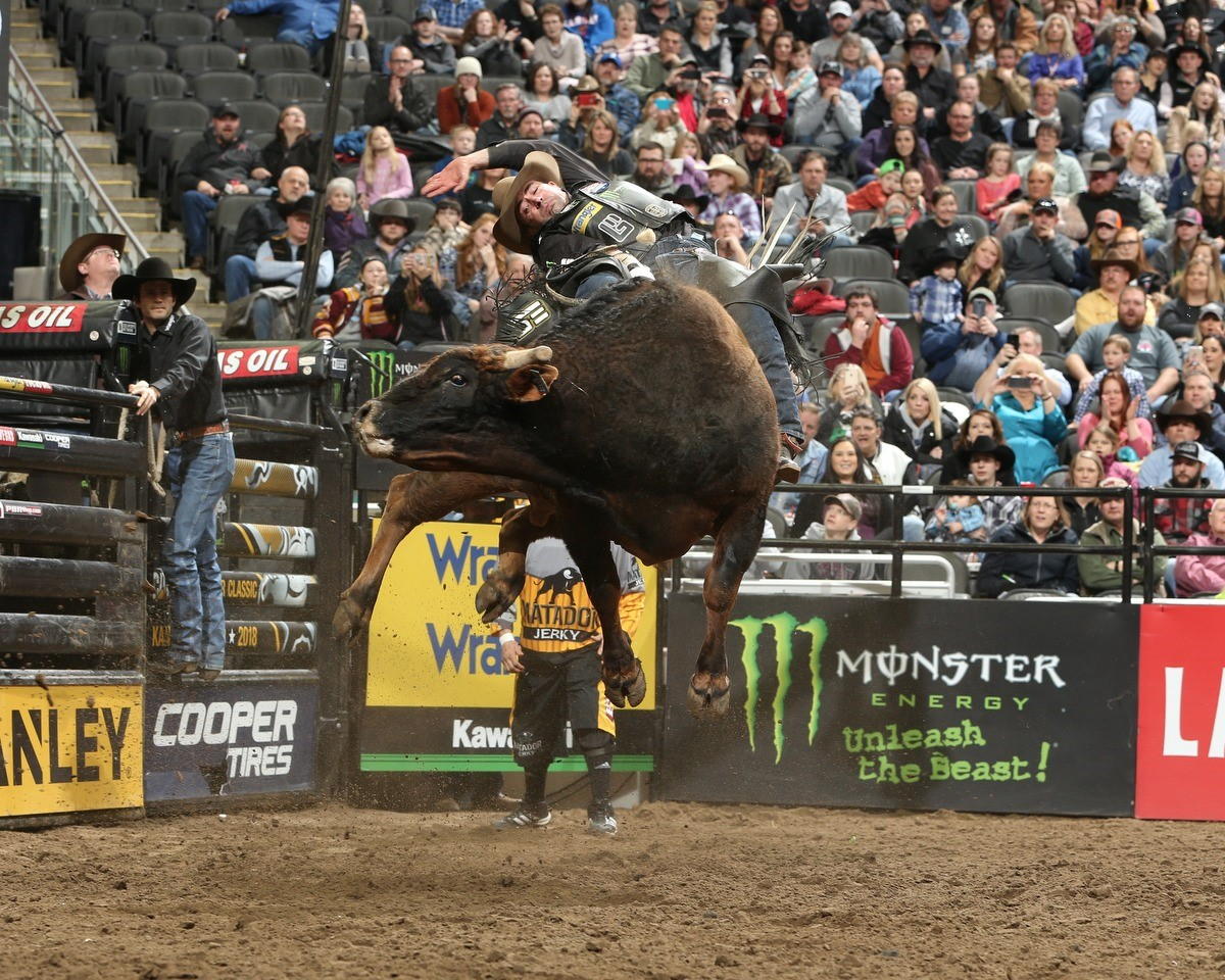 Pbr Veteran Guilherme Marchi Wins In Kansas City